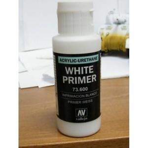 400ml AEROSOL Vallejo osnovni premaz za plastiku - bijeli